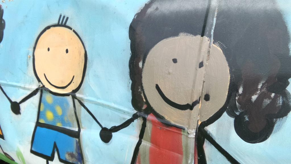 Odnowili mural zniszczony przez rasist w targ wek for Mural warszawa 44