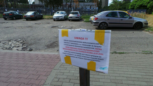 Parkują mimo informacji, by tego nie robić Artur Węgrzynowicz / tvnwarszawa.pl