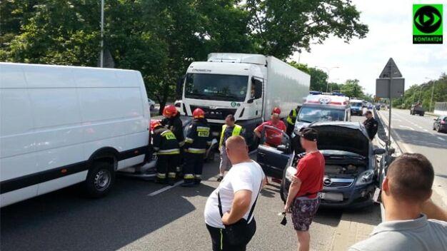 Cztery auta rozbite na Wale Miedzeszyńskim