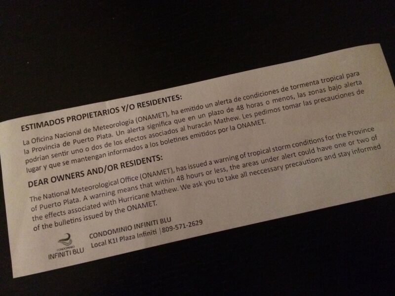 Ostrzeżenie przed huraganem Matthew, które dostają turyści na Dominikanie (zdj. Jakub Mielniczak)