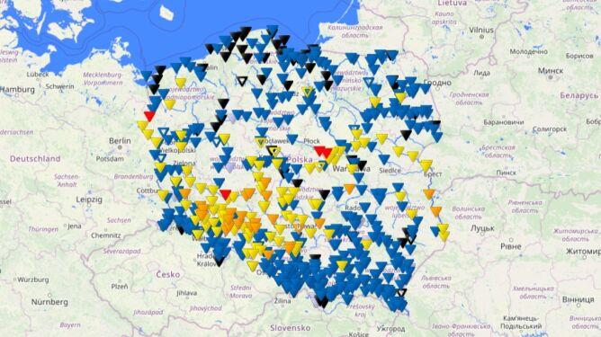Stan wód w polskich zbiornikach wodnych (czerwony - stan alarmowy, pomarańczowy - stan ostrzegawczy, żółty - strefa stanów wysokich) (źródło: IMGW)
