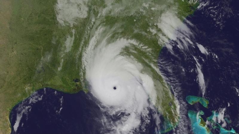 Obraz satelitarny huraganu Michael w środę przed godziną 15 (PAP/EPA/NOAA)