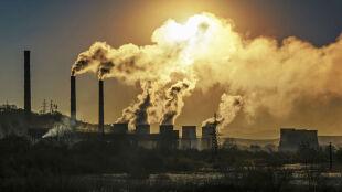 """Rekordowe stężenie CO2 w atmosferze. """"To kamień milowy ocieplenia klimatu"""""""